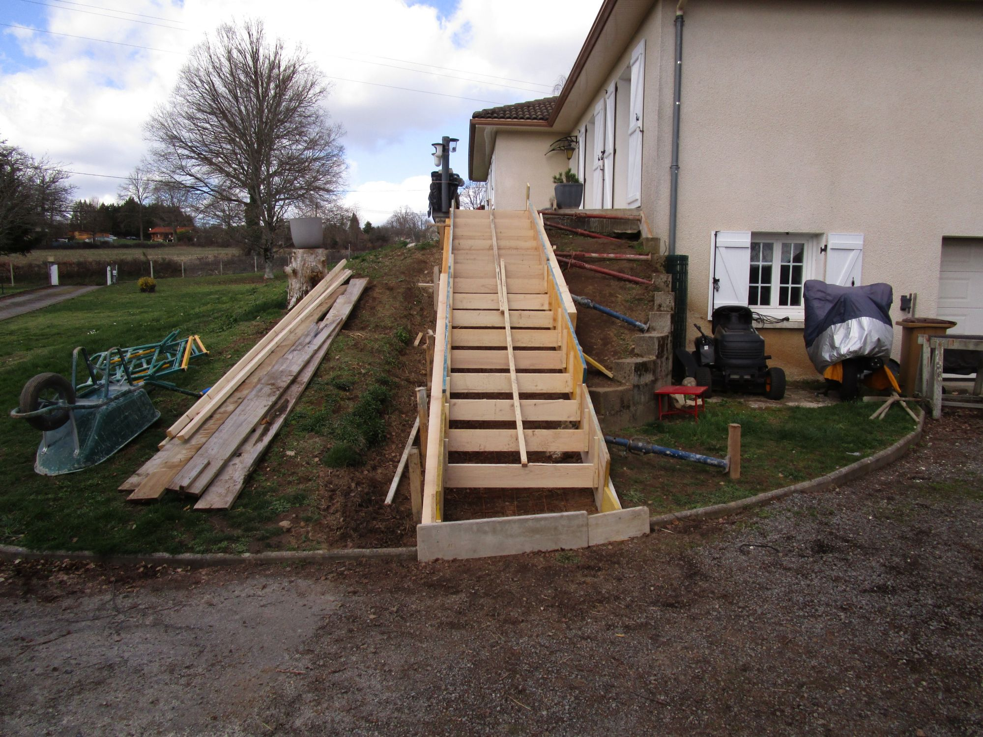 Escaliers en béton - EURL Serge Ajuste Maçonnerie